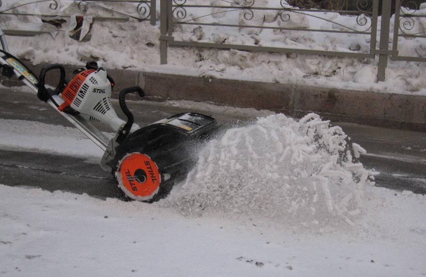 Автоматизированная уборка снега с крыш
